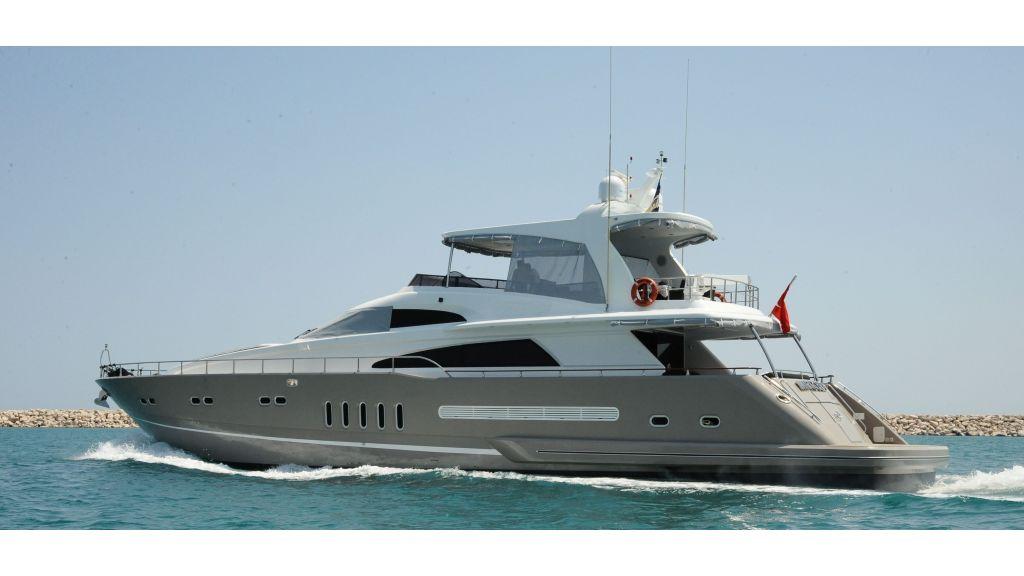 istanbul-built-epoxy-laminated-motoryacht-master