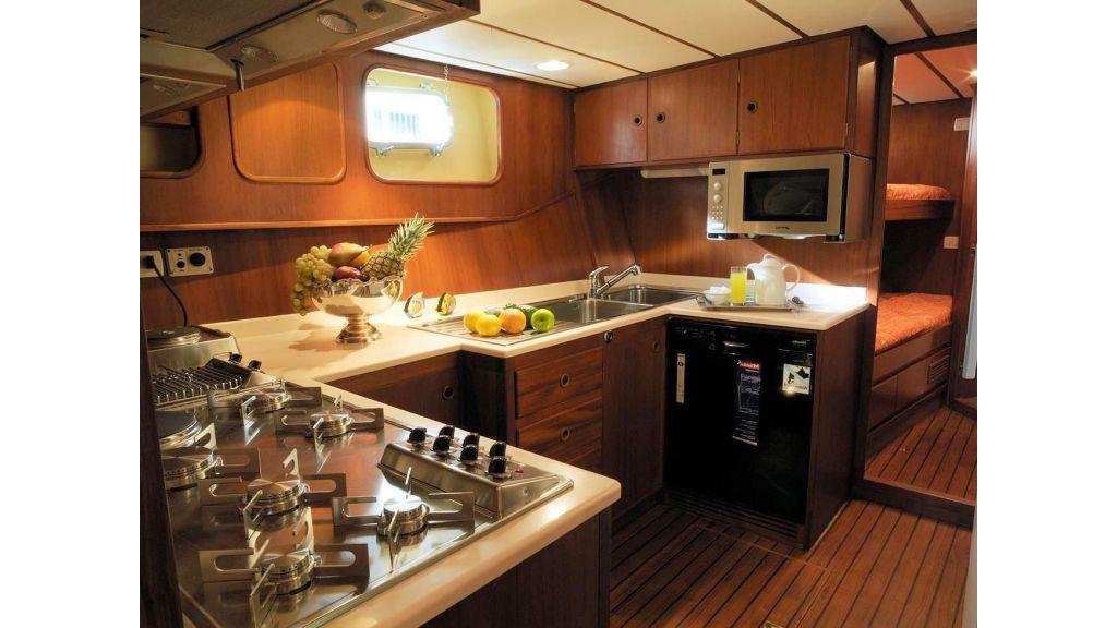 jongert-steel-aluminium-sailingyacht-23