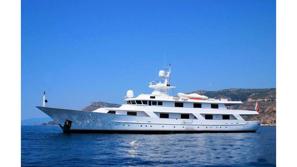 motor-yacht-galu-3
