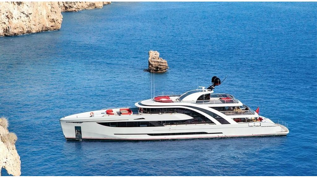 50m Displacement Motor Yacht (24)