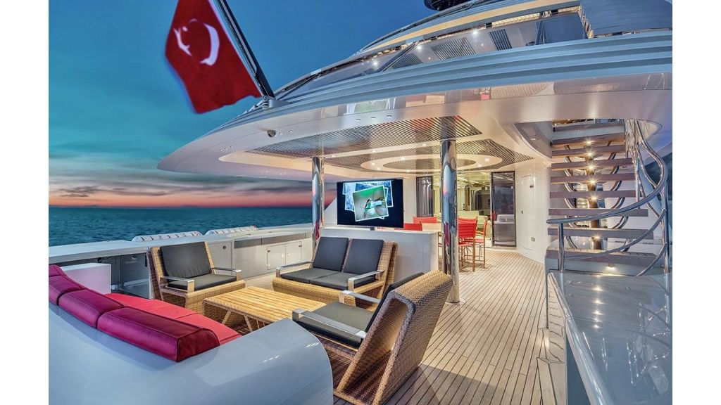 50m Displacement Motor Yacht (28)