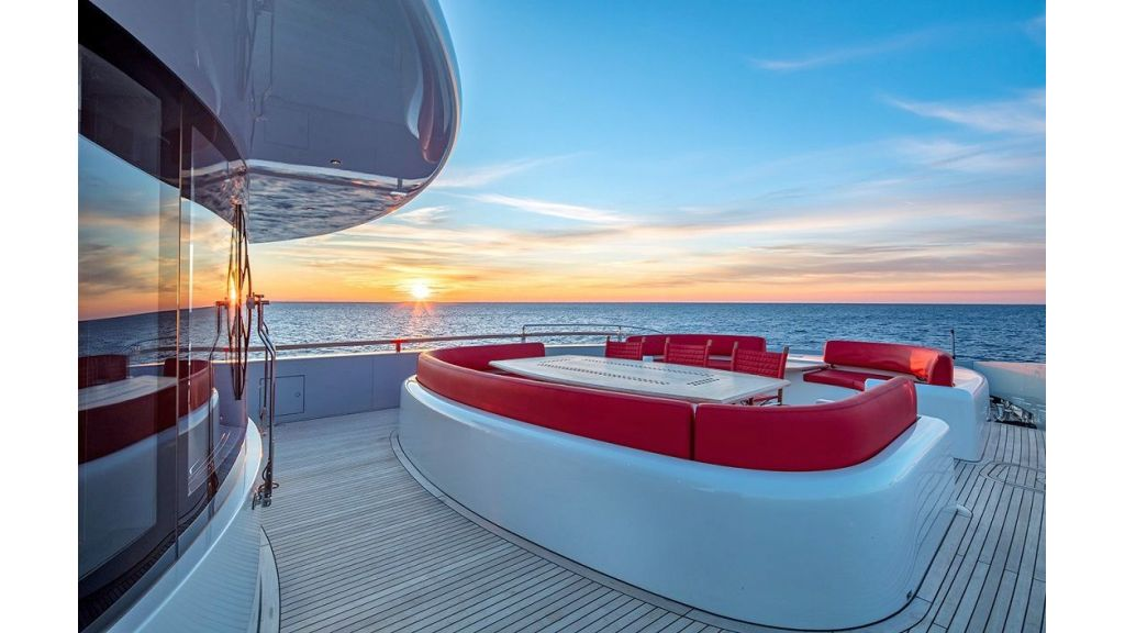50m Displacement Motor Yacht (29)