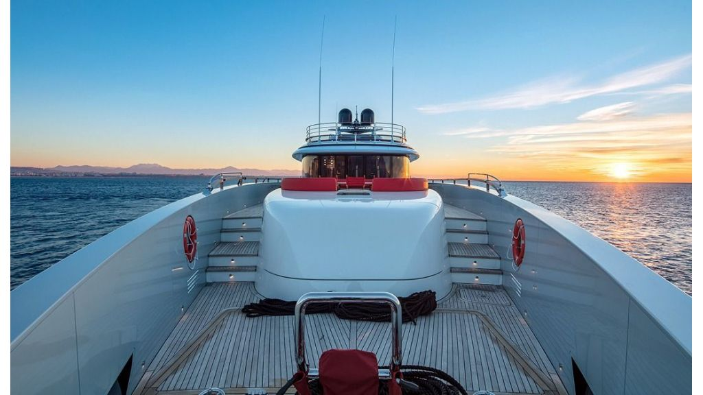 50m Displacement Motor Yacht (33)