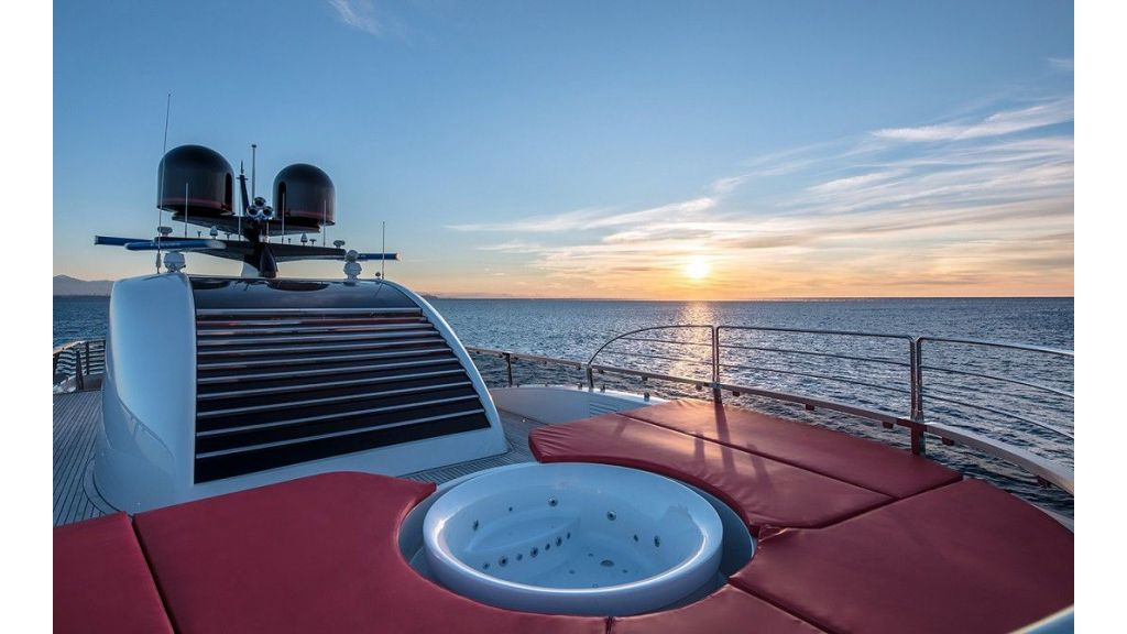 50m Displacement Motor Yacht (34)