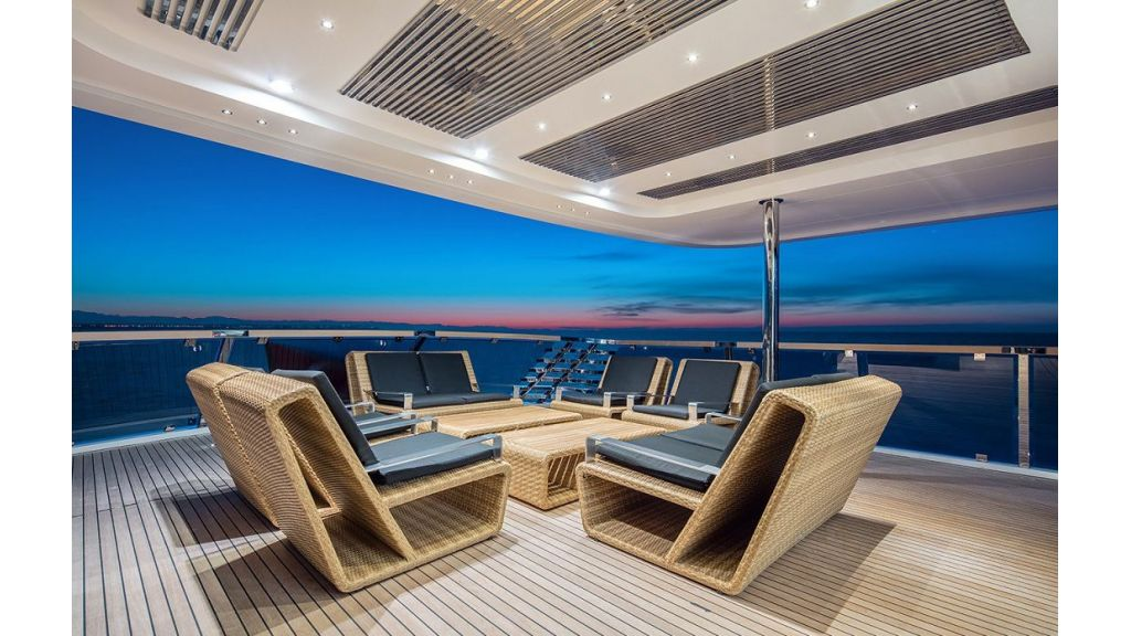 50m Displacement Motor Yacht (36)