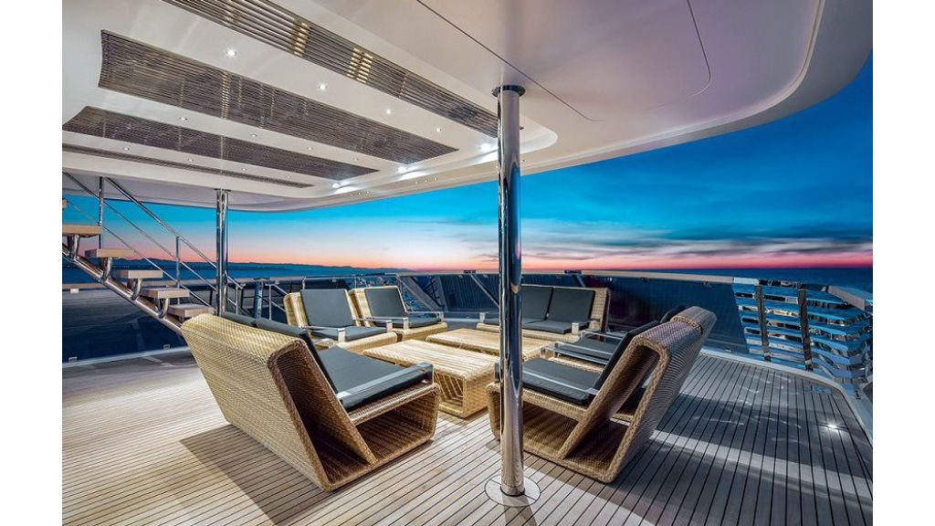 50m Displacement Motor Yacht (39)