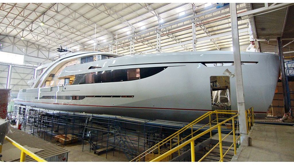 50m-displacement-motoryacht-13