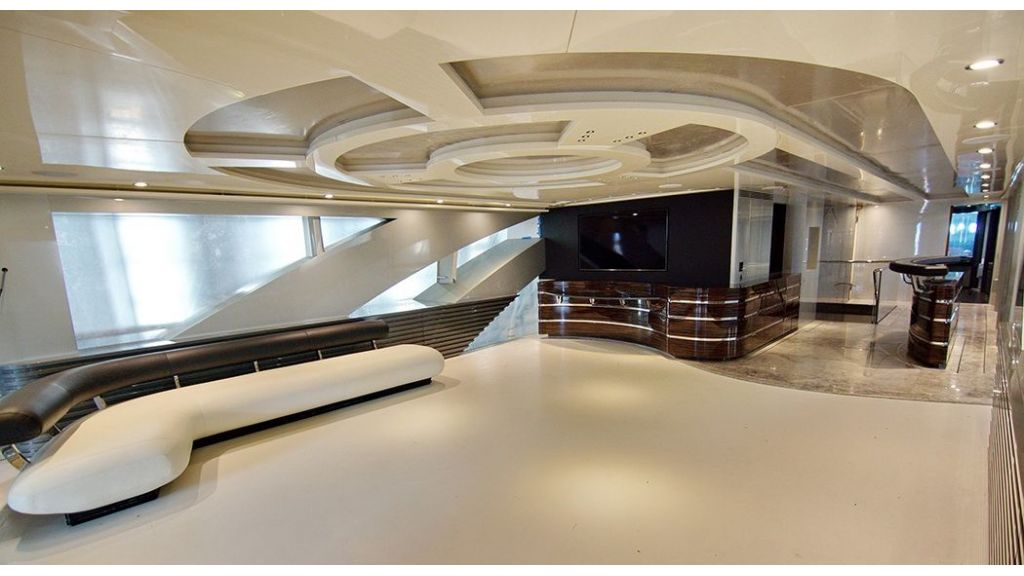 50m-displacement-motoryacht-23