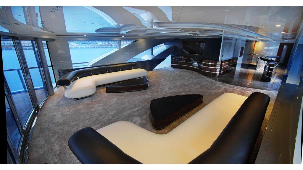 50m-displacement-motoryacht-26