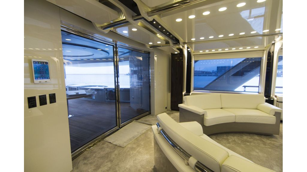 50m-displacement-motoryacht-27