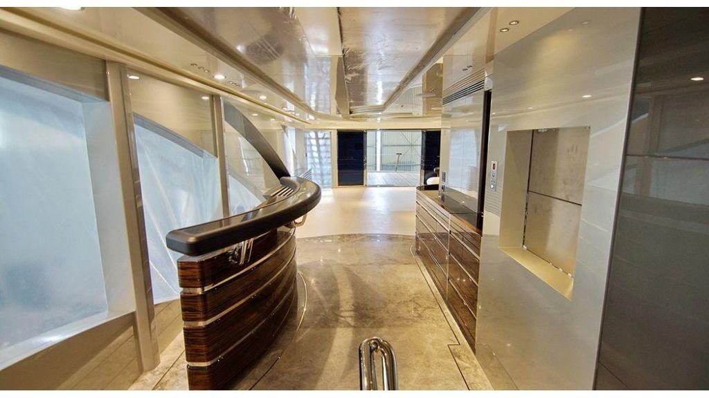50m-displacement-motoryacht-34