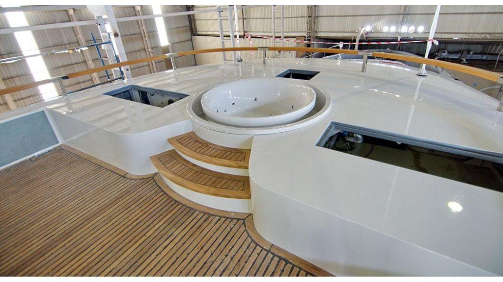 50m-displacement-motoryacht-52