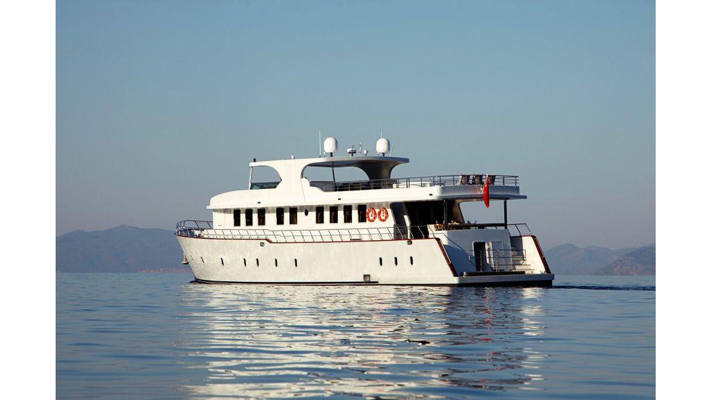 liveaboard-trawler-10