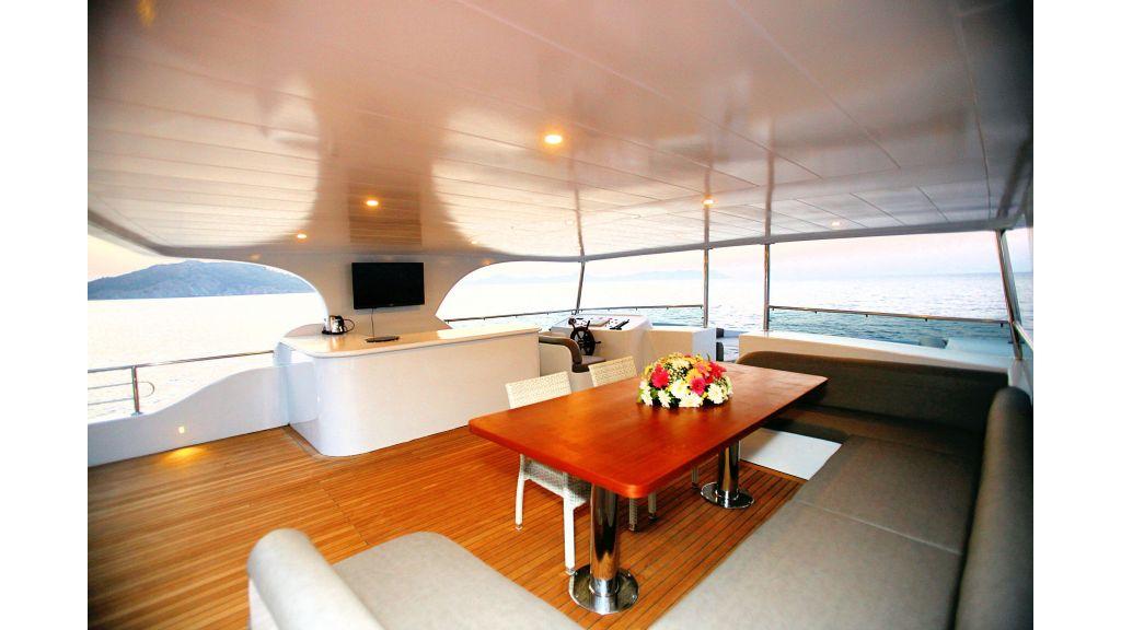 liveaboard-trawler-29
