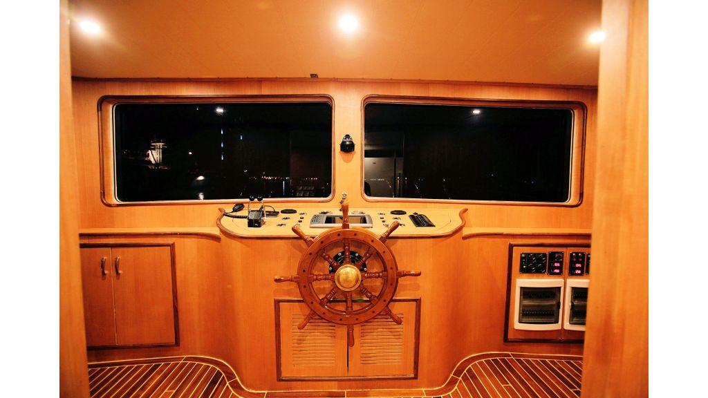 liveaboard-trawler-39