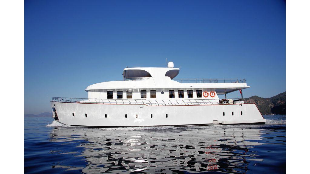 liveaboard-trawler-9