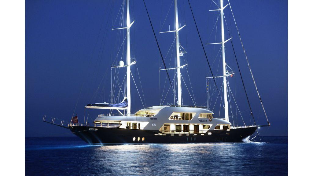 Meira Luxury Yacht (1)