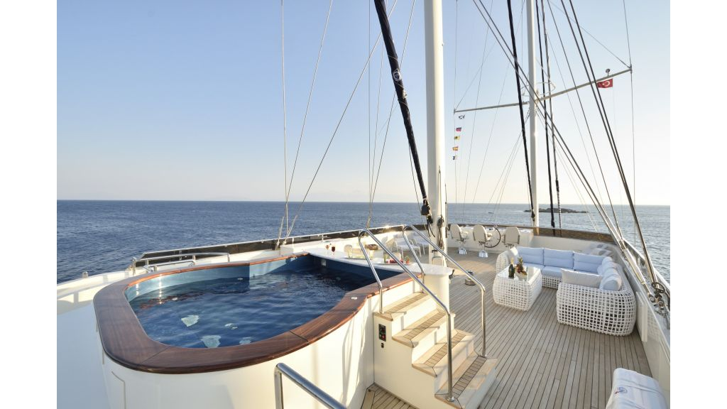 Meira Luxury Yacht (33)