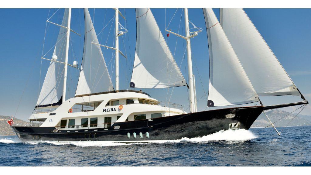Meira Luxury Yacht master