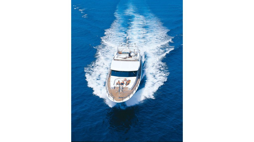 steel-hull-motoryacht-10