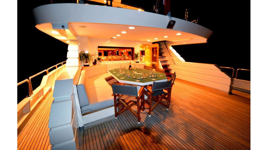 steel-hull-motoryacht-19