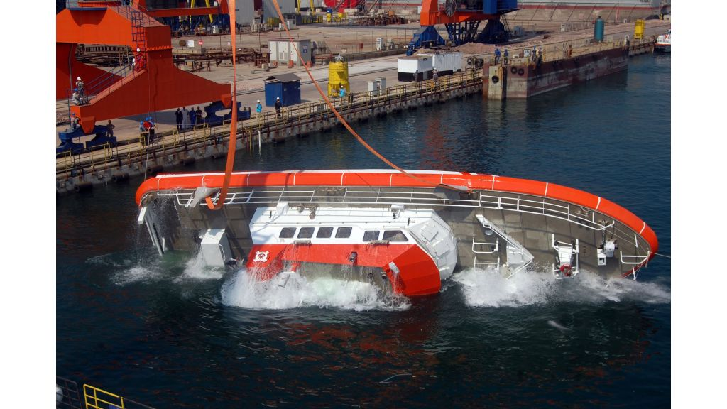 coastal-safety-boat-5