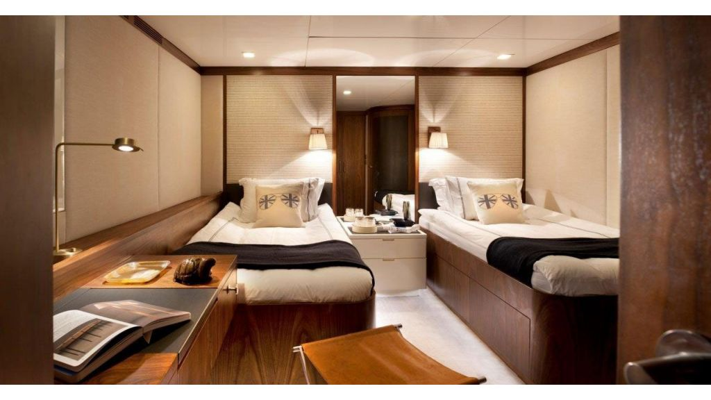 Orient Star motor yacht (16)