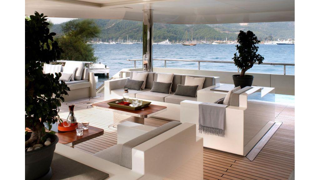 orion-star-motor-yacht