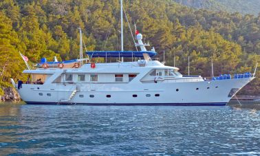 Benetti 98ft for Sale