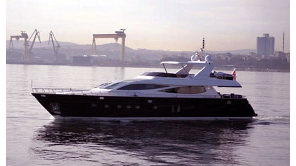 custom build motor yacht (1)