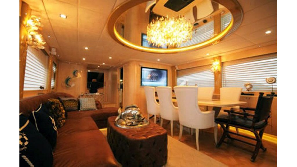 custom build motor yacht (3)
