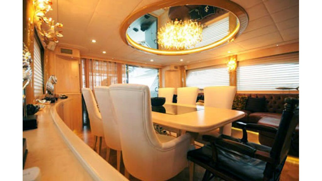 custom build motor yacht (5)