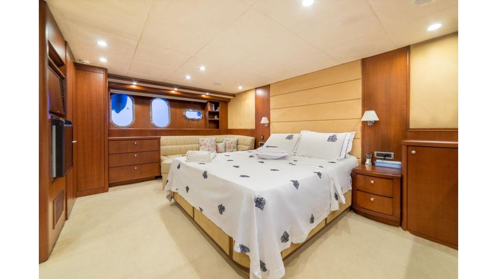 Deluxia motor yacht (12)