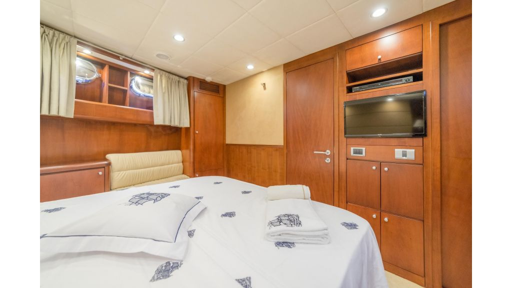 Deluxia motor yacht (23)