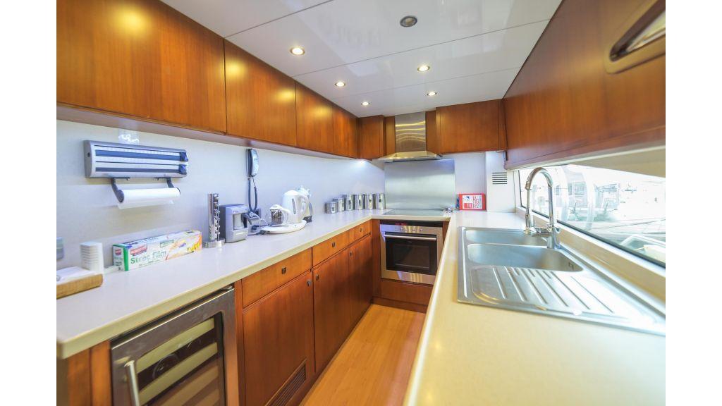 Deluxia motor yacht (38)