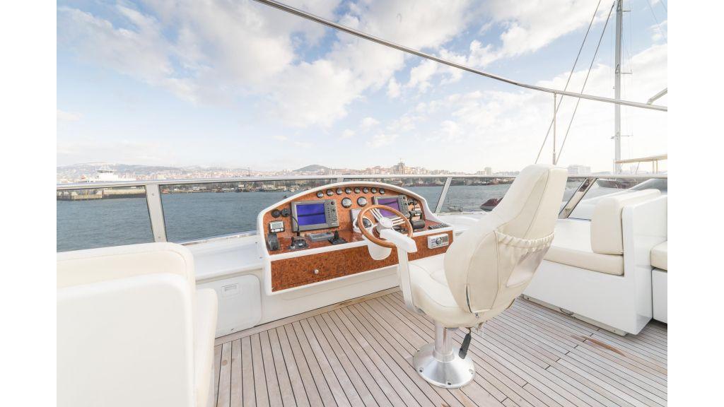 Deluxia motor yacht (63)