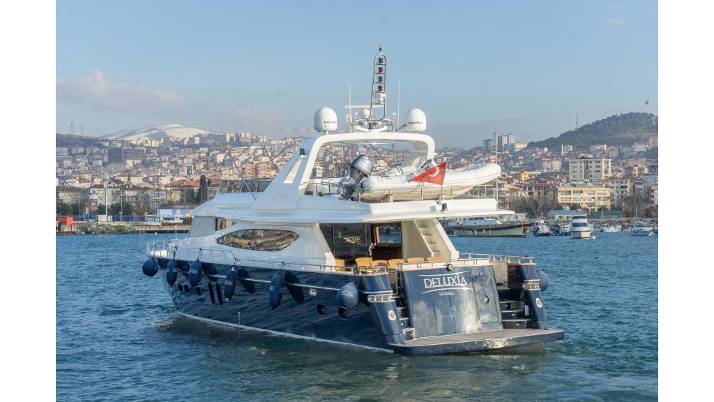 Deluxia motor yacht (75)