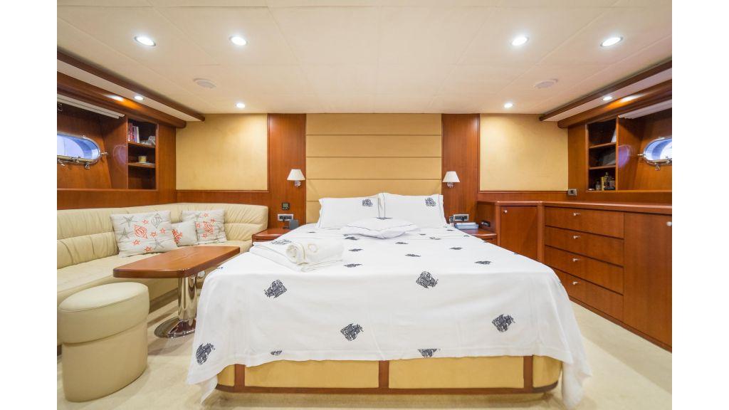 Deluxia motor yacht (9)