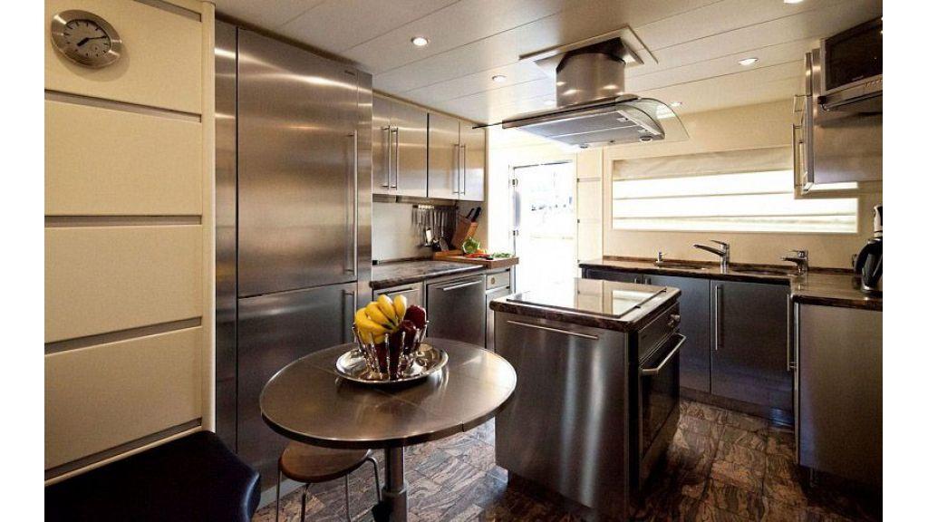 Steel Hull 30 m motoryacht (8)