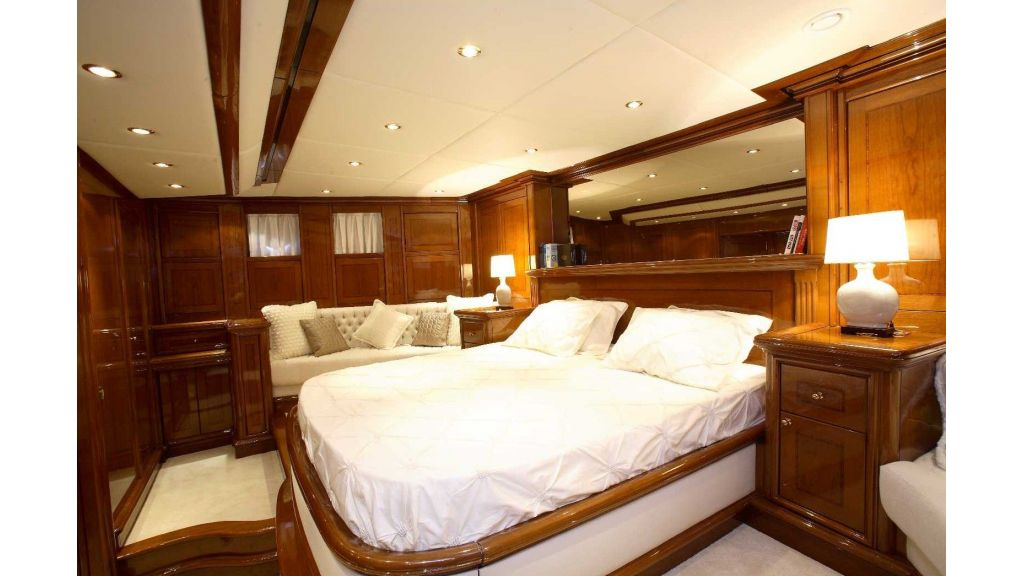 Superlux Classic Steel Construction Motorsailer (37)
