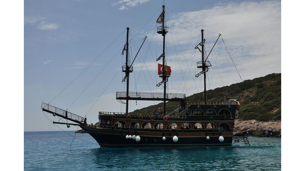 Daily Cruise Pirate Ship (3)