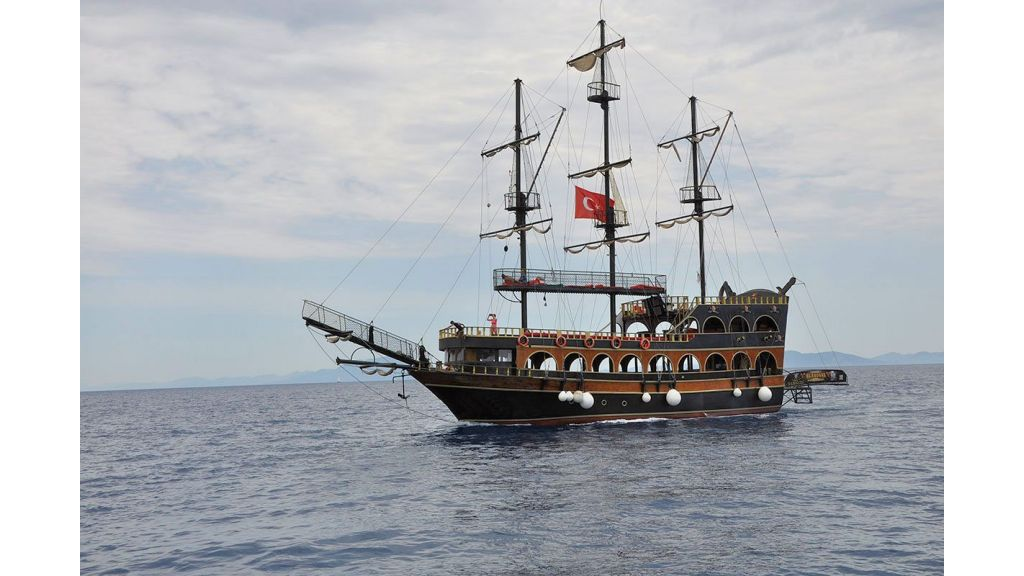 Daily Cruise Pirate Ship (4)
