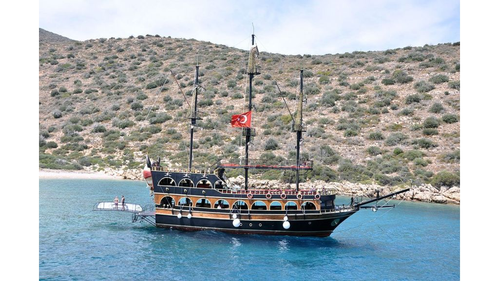 Daily Cruise Pirate Ship (5)