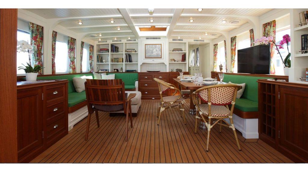Darwin Luxury Motoryacht (10)