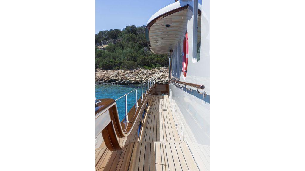 Darwin Luxury Motoryacht (15)