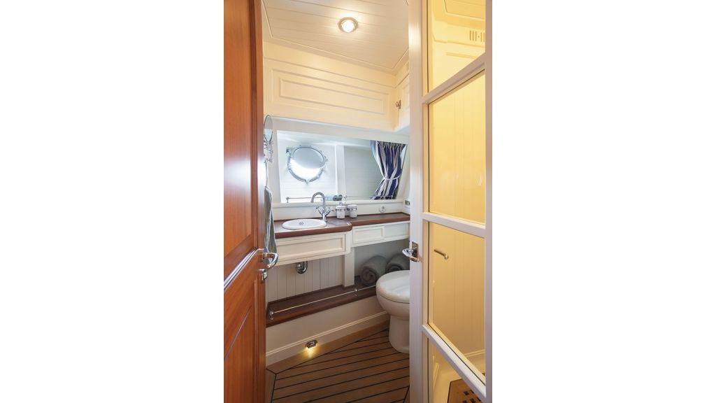 Darwin Luxury Motoryacht (28)