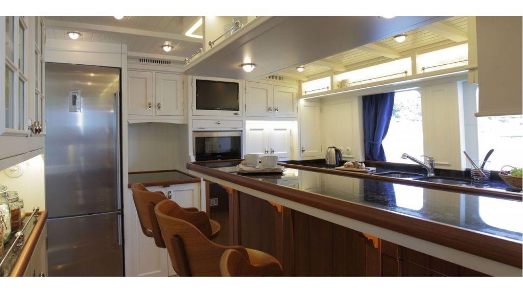 Darwin Luxury Motoryacht (8)