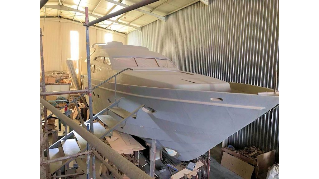 Epoxy Laminated Motoryacht (1)