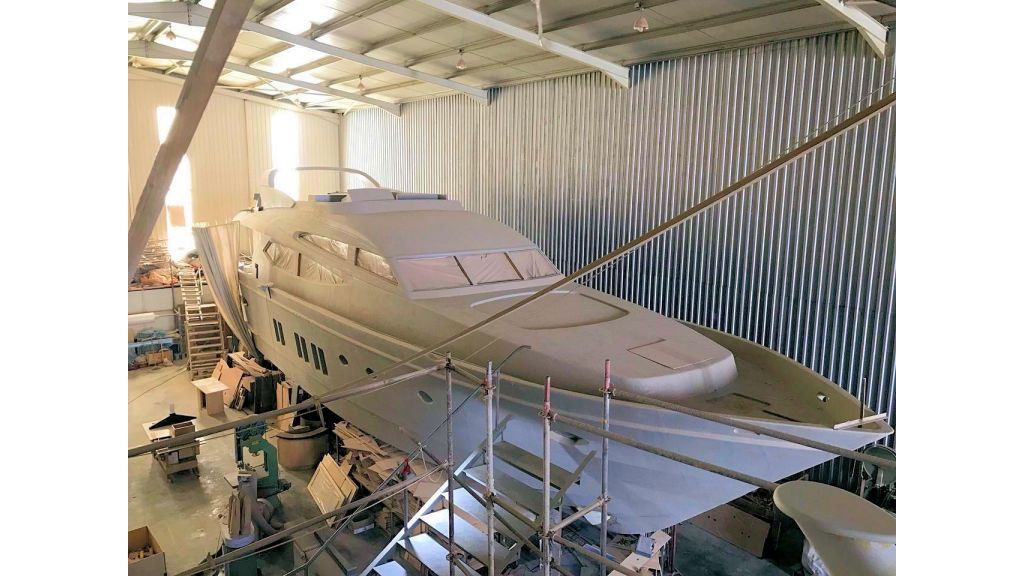 Epoxy Laminated Motoryacht (2)