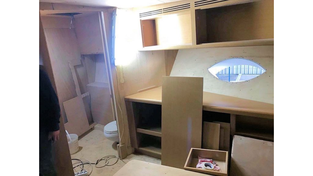 Epoxy Laminated Motoryacht (52)